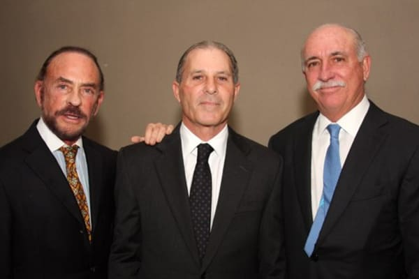 Miguel Ferrer, former UBS Puerto Rico chairman (l), Ramon Almonte, UBS Puerto Rico financial advisor (c), and Carlos Ubinas, president and chairman of the broker-dealer and the trust company.