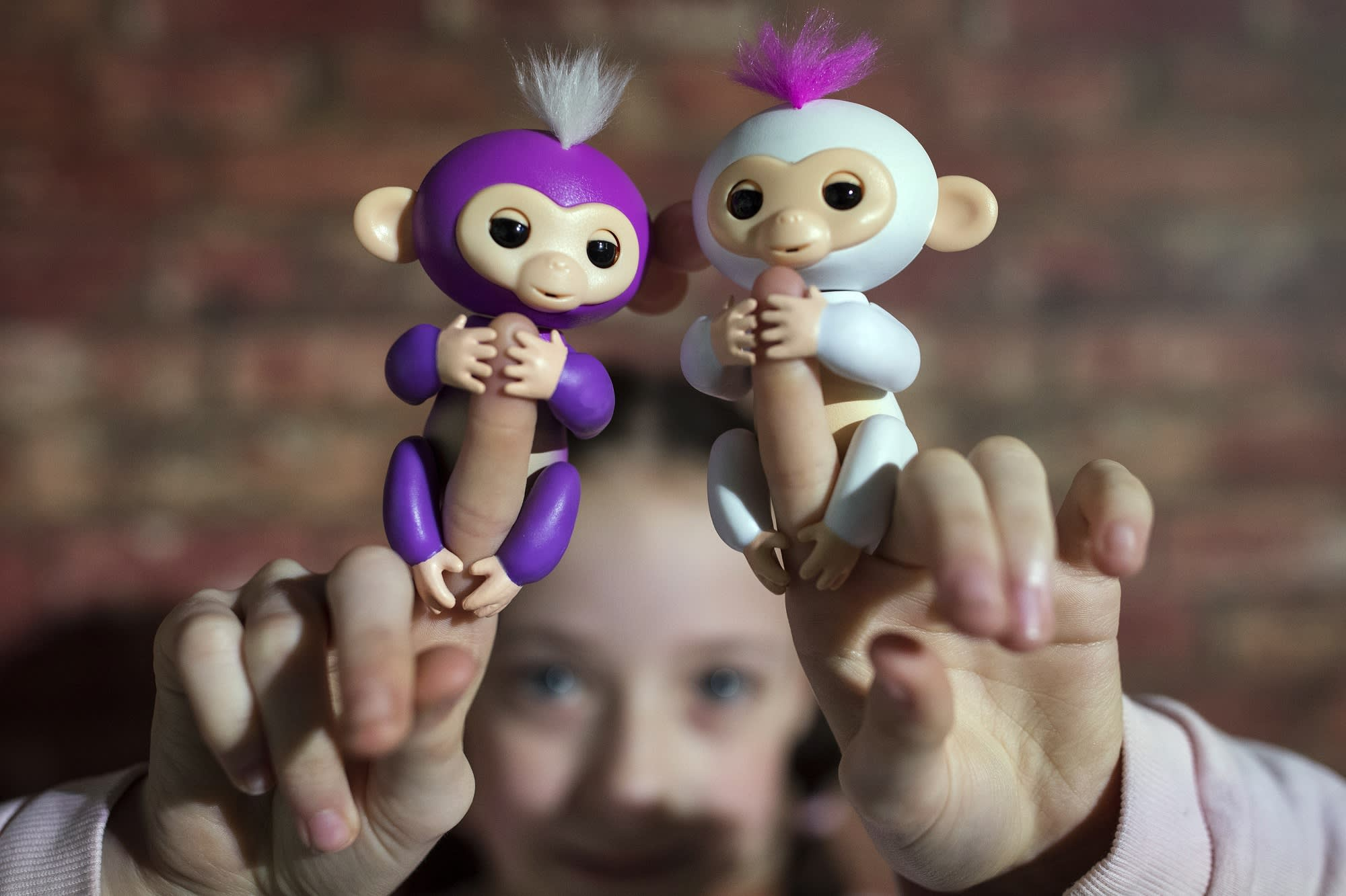 How Wowwee S Fingerling Toys Work