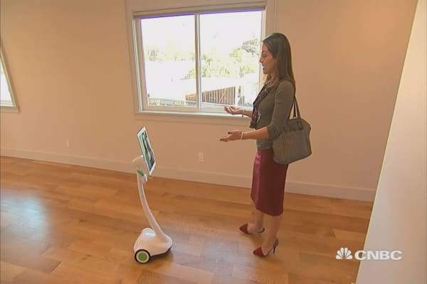 Take a home tour with a robot