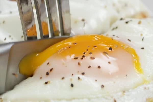 5 Eggceptional Egg Hacks