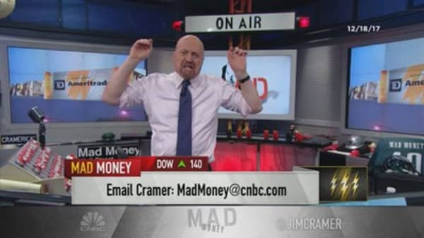 Cramer's lightning round: Roku's one of the most amazing short squeezes I've ever seen