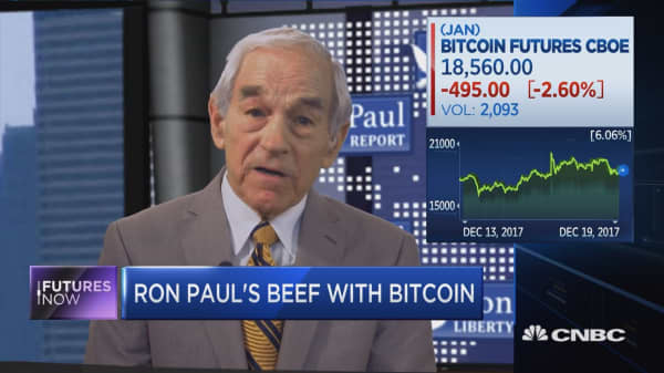 Ron Paul sees big bubble in bitcoin