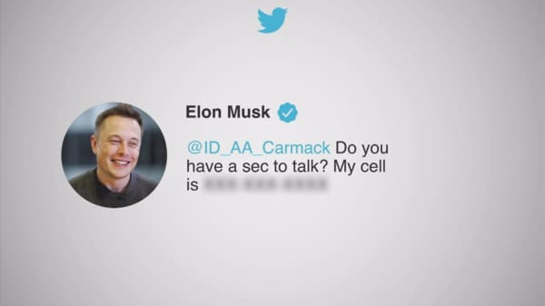 Here's what happened when we called Elon Musk's cell after he accidentally posted it on Twitter