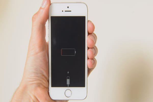 Apple tells iPhone users why their older phones are slowing down