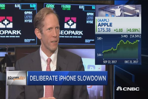Henry Blodget on iPhone slowdown news: Problem is around the secrecy at Apple