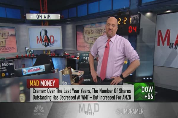 Cramer: Amazon and Walmart exemplify the market's central theme