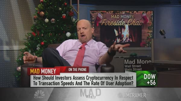 Cramer says Bitcoin has 'first-mover advantage' over Litecoin