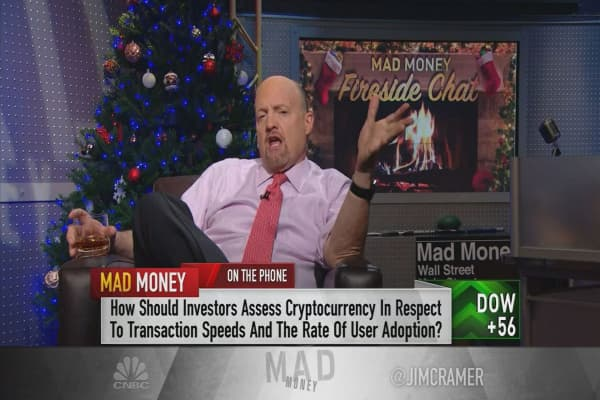 Cramer's fireside chat: Bitcoin has 'first-mover advantage' over Litecoin