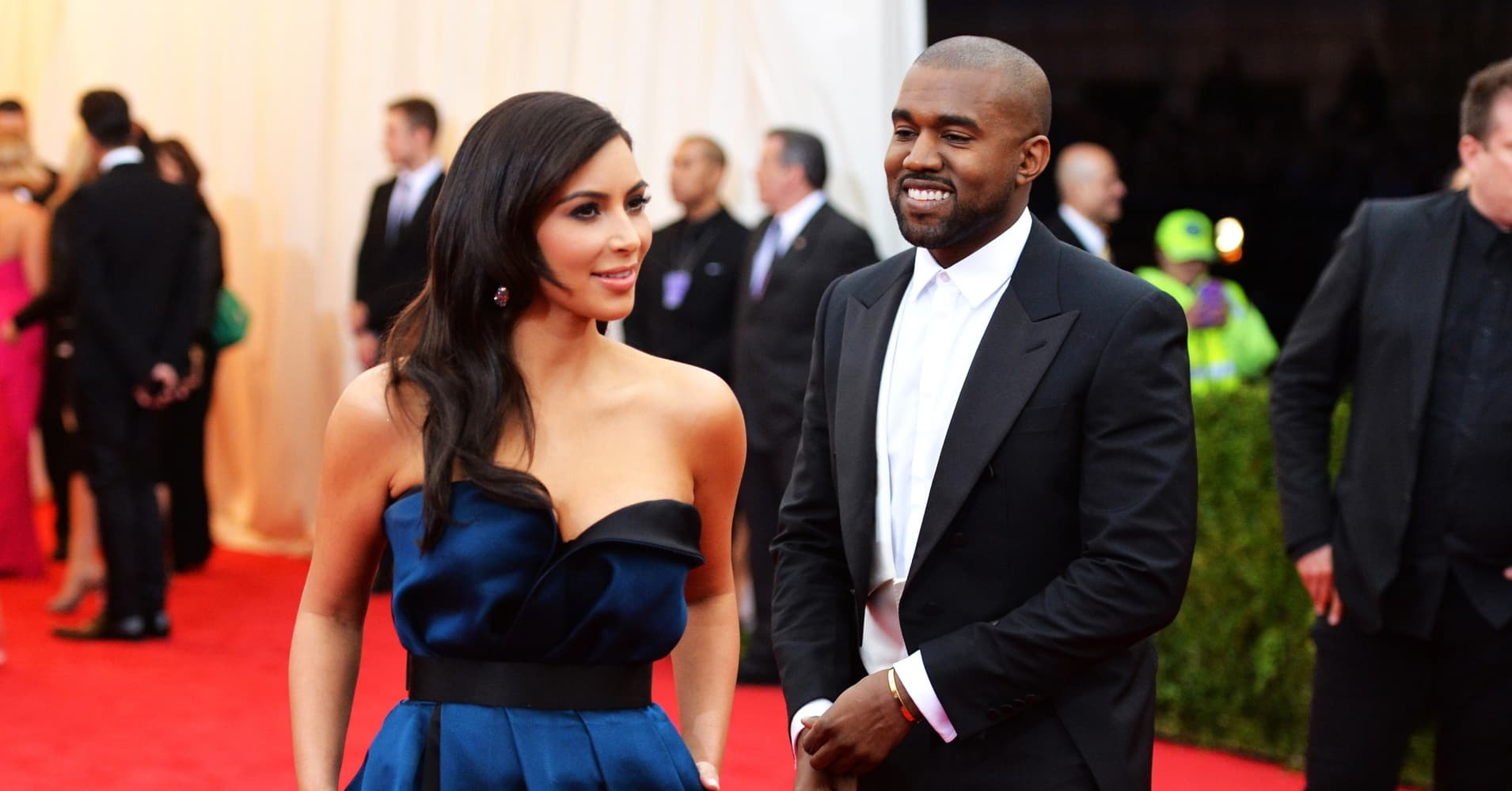 Kim Kardashian\'s Christmas presents from Kanye included stock from ...