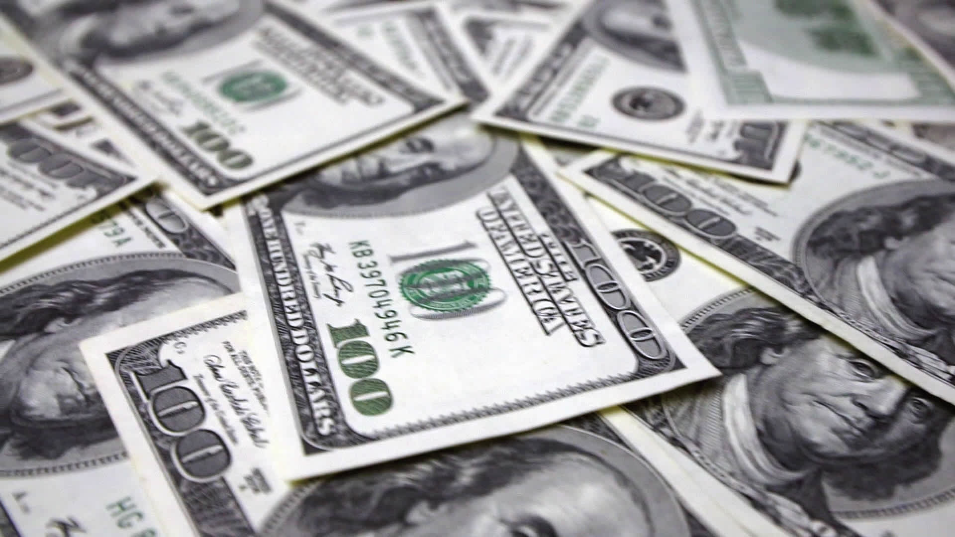 Dollar Could Follow 2017 With Another Weak Year