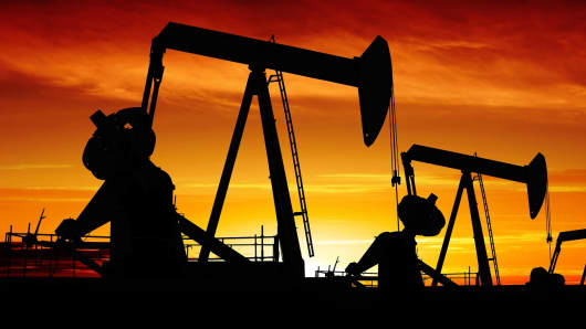 Crude oil futures down 0.76% on weak overseas cues