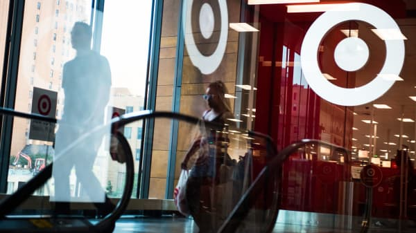 Heres Why Amazon May Not Buy Target