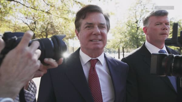 Trump ex-campaign chair Manafort sues Mueller, Rosenstein and Department of Justice