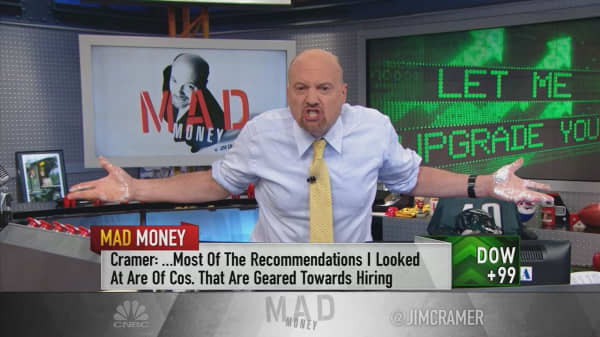 Cramer: Analyst recommendations are already boosting stocks in 2018—and they won't stop