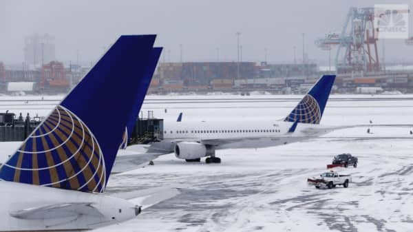 'Bomb Cyclone' grounds more than 3,600 flights