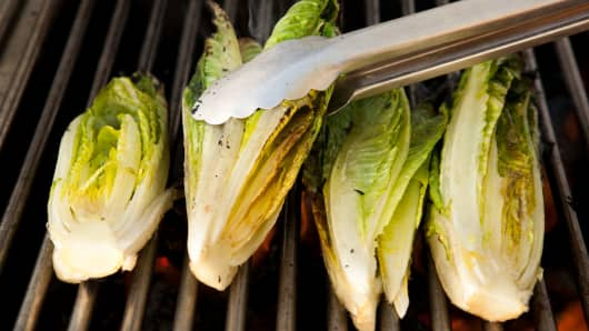 Consumer Reports Says You Should Avoid Romaine Lettuce