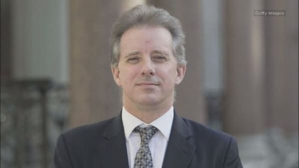 Republican senators issue a criminal referral for the author of the controversial Trump dossier