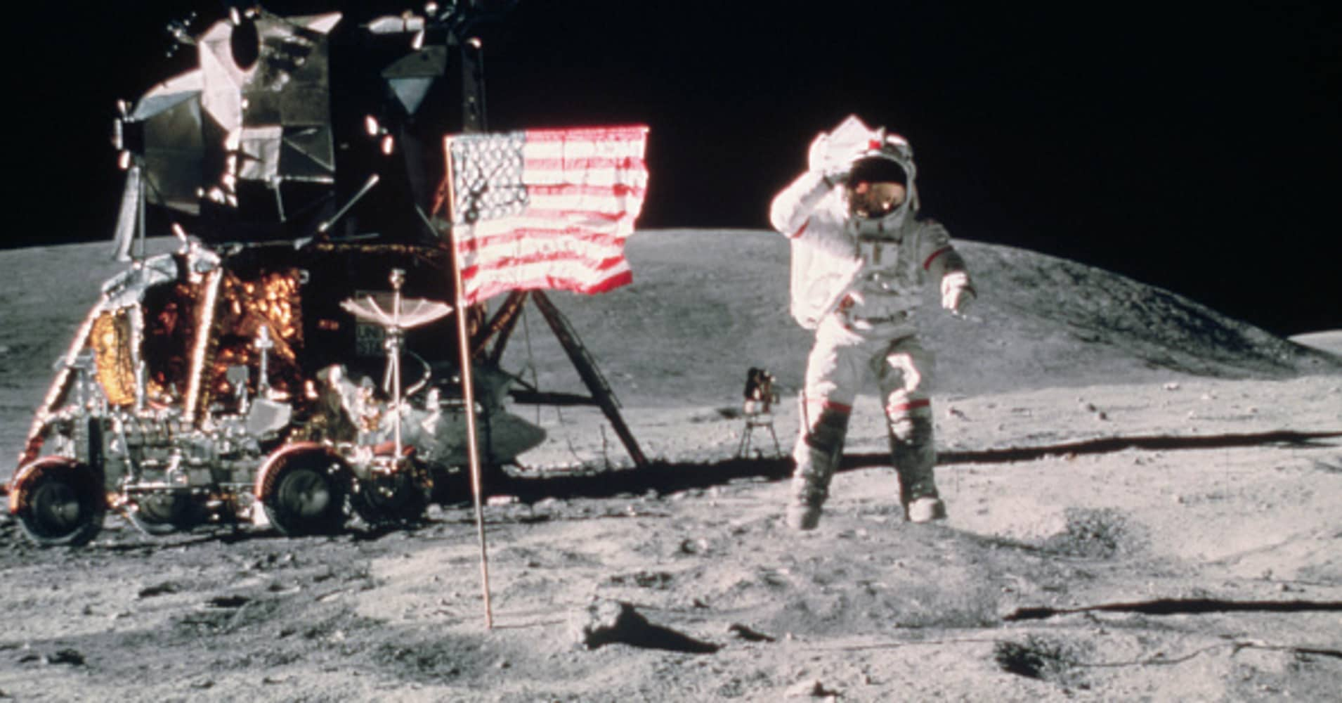 NASA and the White House want billions so companies will compete to build human moon landers