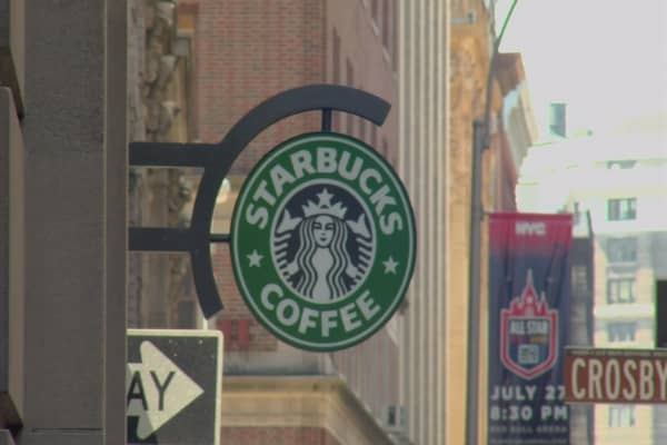 Starbucks wins dismissal of lawsuit that charged it cheated customers by underfilling cups