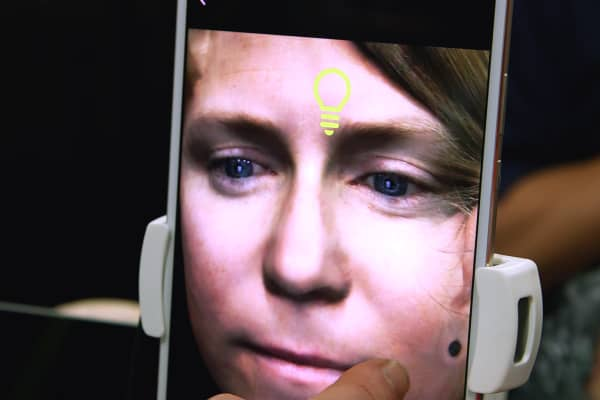 The Bellus3D face scanner