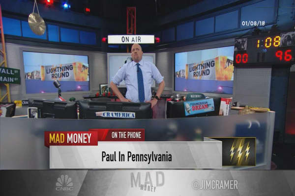 Cramer's lightning round: Mercadolibre is even better than eBay was