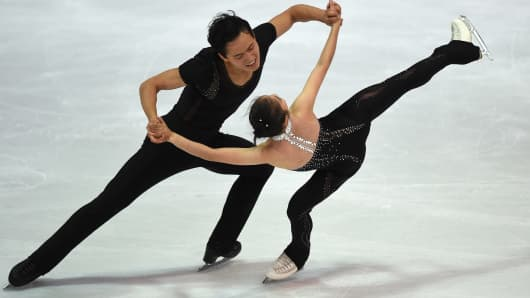 Ryom Tae-Ok and Kim Ju-Sik of North Korea perform during their pairs free skating program of the 49th Nebelhorn trophy figure skating competition in Oberstdorf, southern Germany, on September 29, 2017.