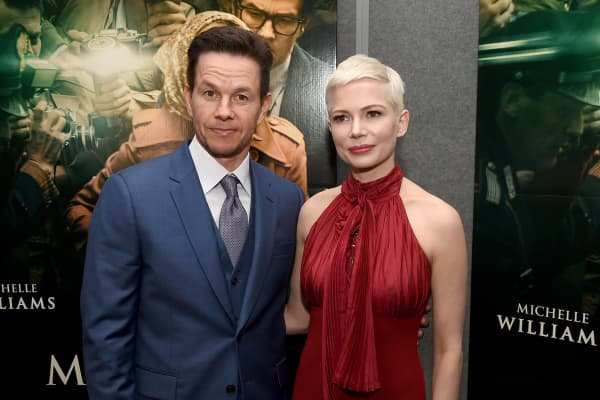Mark Wahlberg (L) and Michelle Williams attend the premiere of Sony Pictures Entertainment's 'All The Money In The World' at Samuel Goldwyn Theater on December 18, 2017 in Beverly Hills, California.
