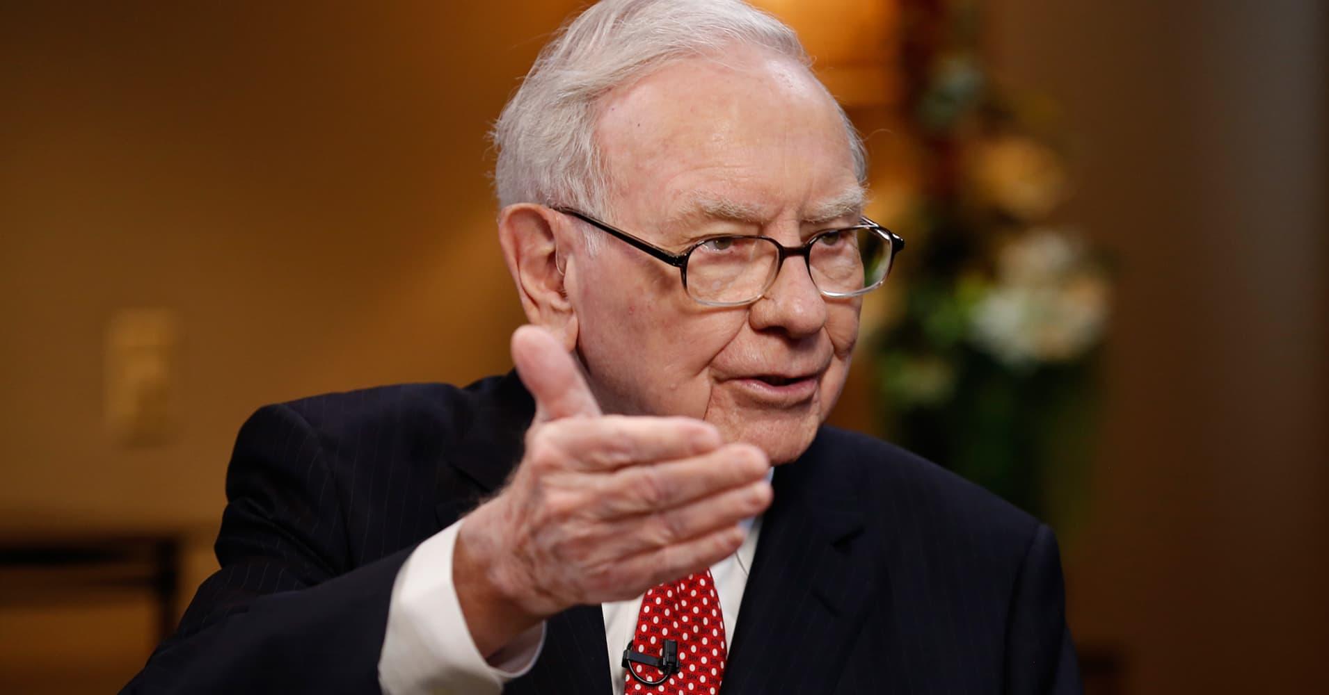 Warren Buffett, Chairman and CEO of Berkshire Hathaway - Os segredos financeiros que pessoas bem-sucedidas sabem