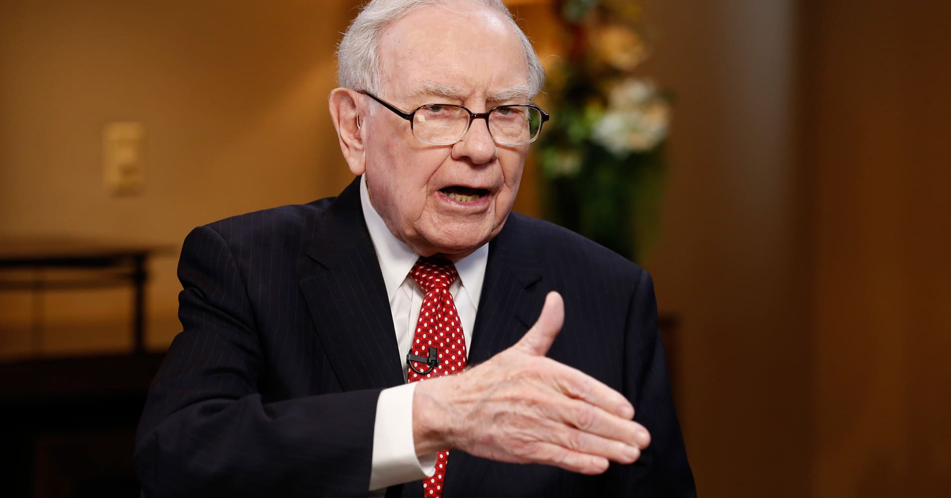 Warren Buffett: 'Any time the market takes a sharp dive,' read this book