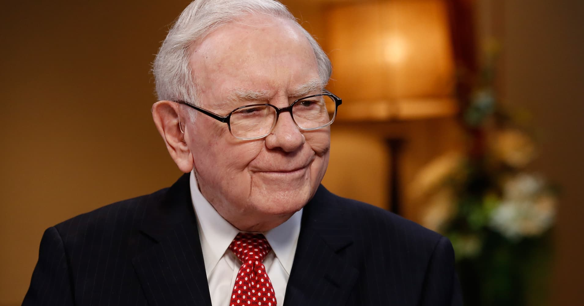 This was Warren Buffett's 'simple rule' for investing during the financial crisis — and you can still use it today