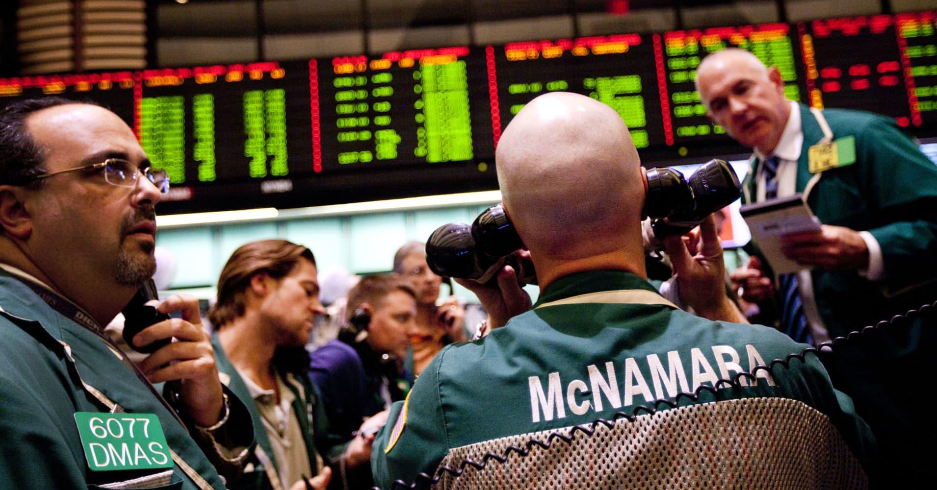 Treasury yields fall amid US-China trade developments