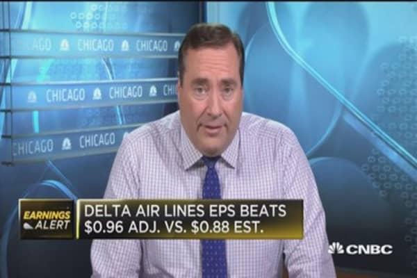 Delta beats Street on top and bottom line, raises 2018 EPS guidance