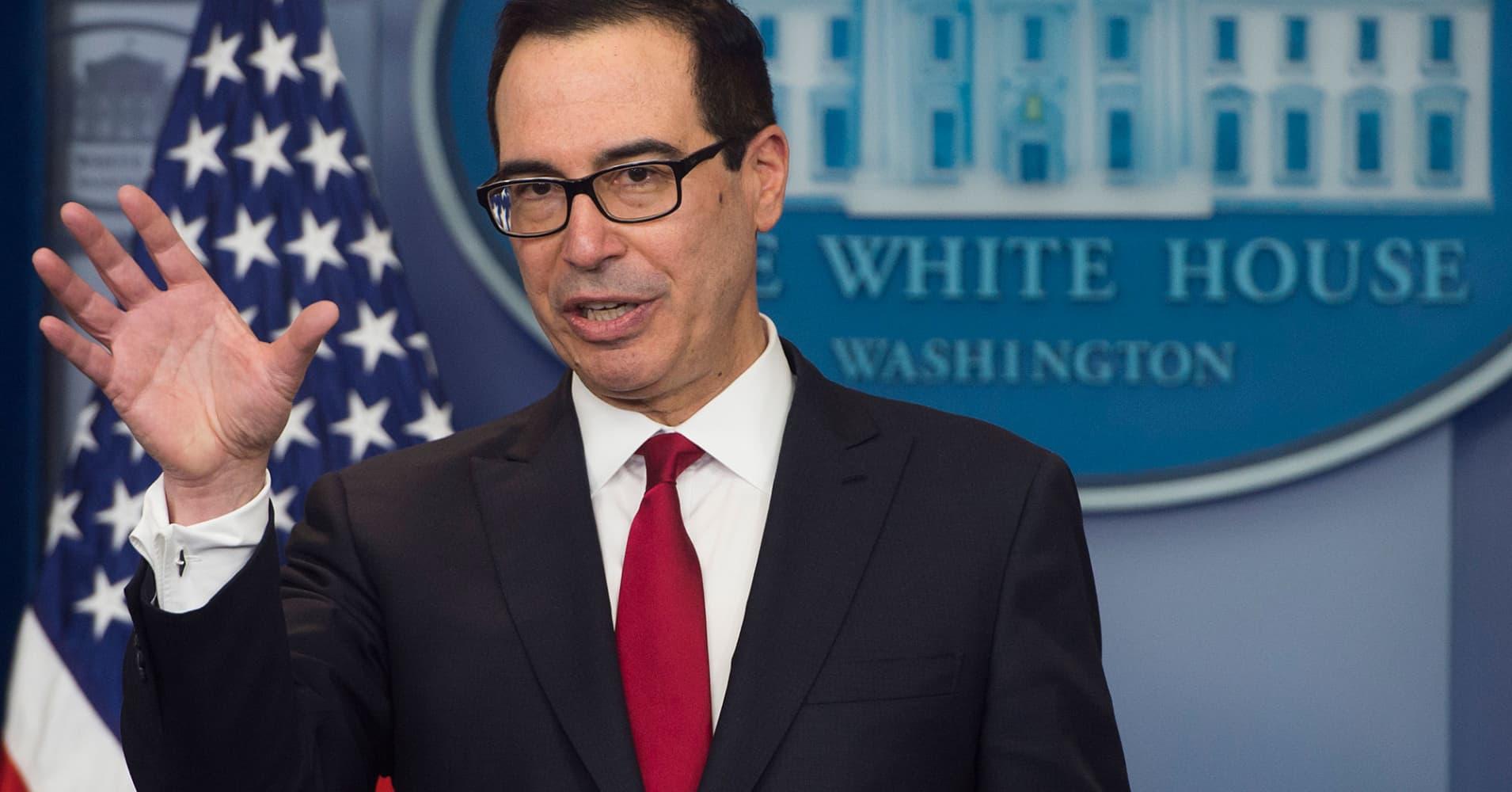 US says it sanctions Venezuelans in currency scheme