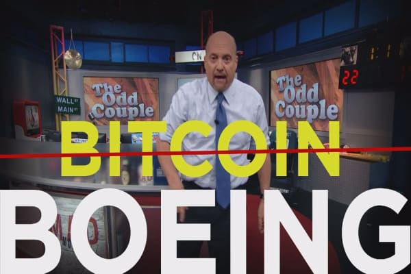 Cramer Remix: Why Boeing is a better bet than bitcoin