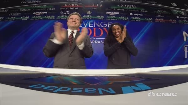Stars on Khloe Kardashian's hit show, Revenge Body, ring the closing bell at the New York Stock Exchange