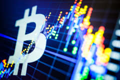 Bitcoin dips below $6,000 amid cryptocurrency sell-off