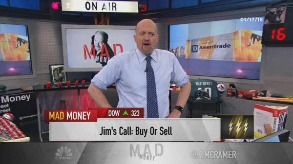 Cramer's lightning round: I prefer Disney to Twenty-First Century Fox