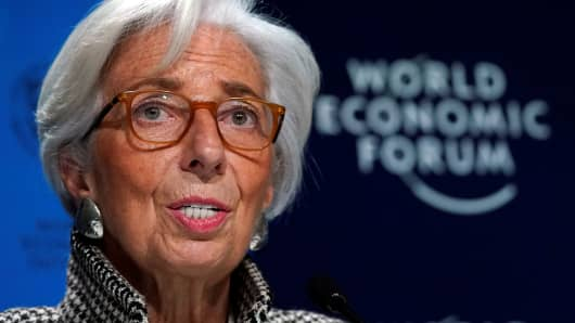 Christine Lagarde, Managing Director of the International Monetary Fund (IMF) attends a news conference on the world economic outlook during the World Economic Forum (WEF) annual meeting in Davos, Switzerland January 22, 2018 .