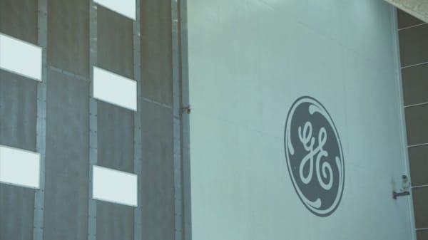 General Electric shares are plummeting on an epic selloff