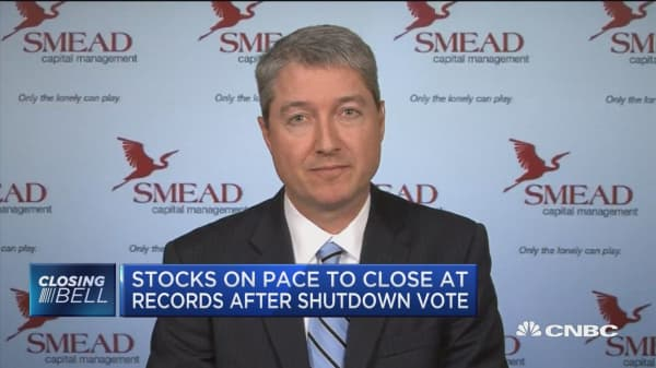 Closing Bell Exchange: Stocks on pace to close at records after shutdown averted