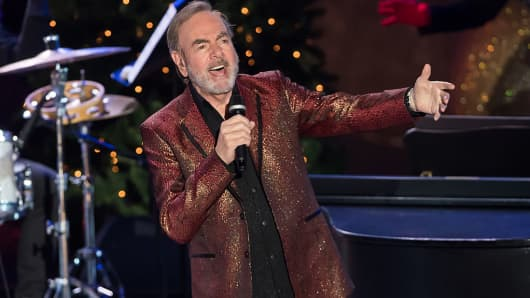Neil Diamond says he's retiring from touring after Parkinson's diagnosis