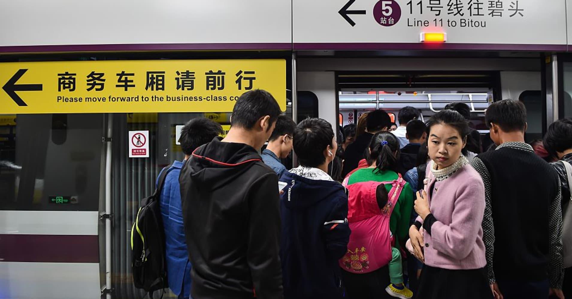 China needs to push ahead with urbanization, says award-winning writer of a dystopian Beijing