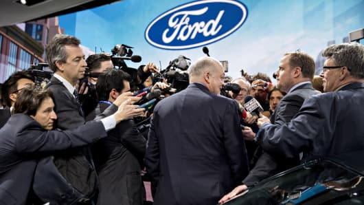 Ford shares fall after company reports mixed quarter