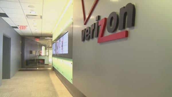 Verizon Employee Stock Award Ceo Lowell Mcadam Interview