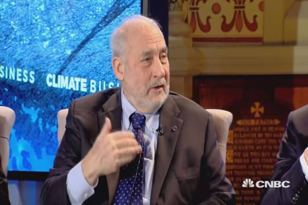 Stiglitz: Whole point of Paris climate deal was everyone committing