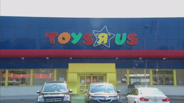 Toys R Us to close 180 stores across the US