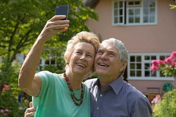 Internet analyst: How baby boomers could drive mobile internet traffic in next 4 years