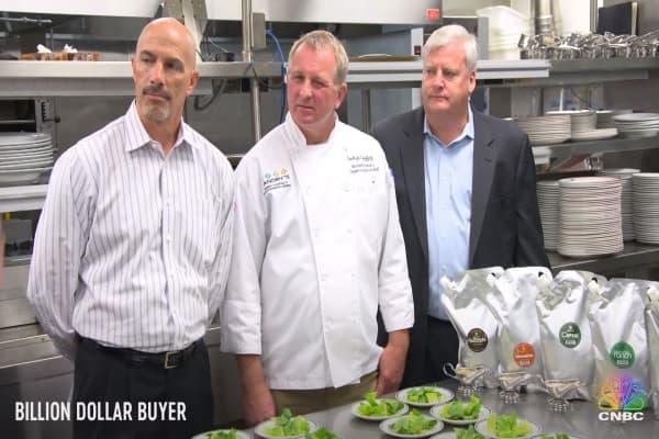 Will this salad dressing impress Tilman Fertitta's top chefs?