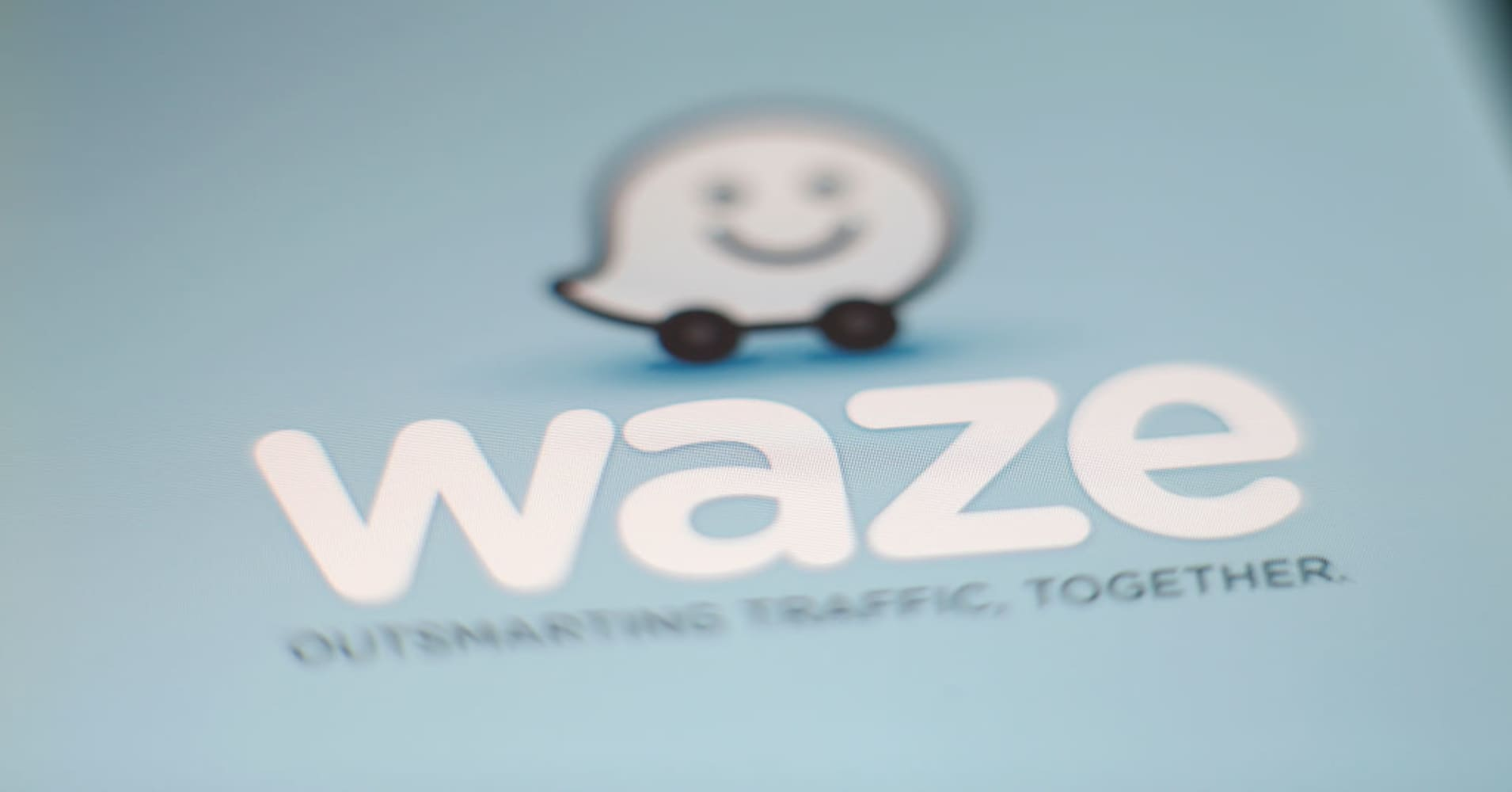 How to use Google Waze for directions and avoiding traffic