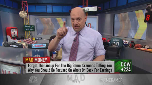 Cramer breaks down the Super Bowl of earnings